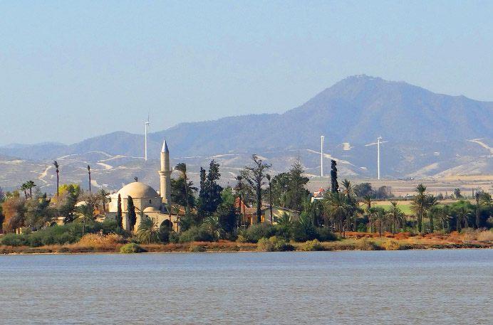 Мечеть Хала Султан Текке у Соленого озера