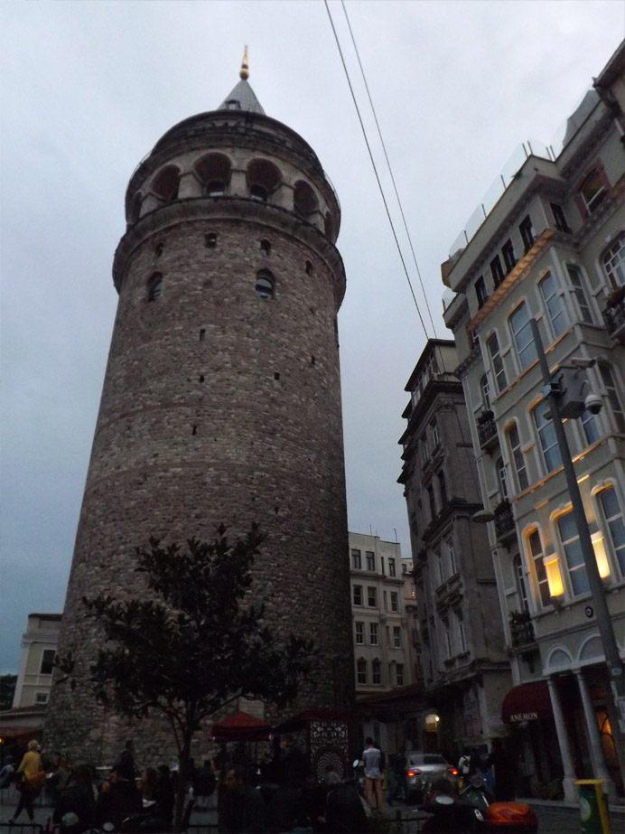 Галата-Башня вечером